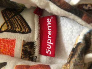 Supreme hoodie for Sale in Livonia, MI