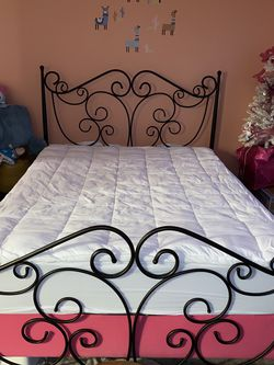 Queen Bed frame Only for Sale in Raleigh,  NC
