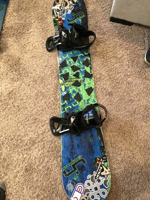 Lib Tech snowboard and Burton bindings for Sale in Sumner, WA
