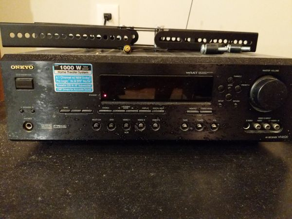 Onkyo 7.1 Dolby surround Receiver, center, R, L, and rear speakers, sub