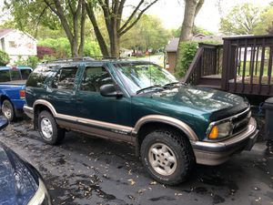 96 Chevy S10 Blazer for Sale in Island Lake, IL