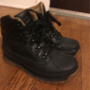 Timberland Boots Size 3Y Good Condition for Sale in Hartford, CT