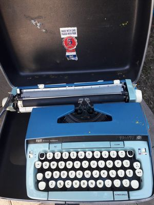 Typewritter for Sale in Buena Park, CA