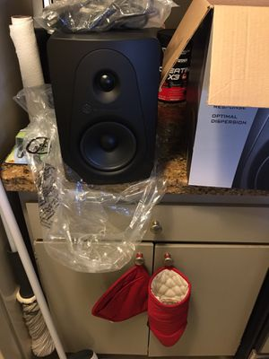 Sterling MX5 5inch Powered Monitors (Pair) for Sale in Los Angeles, CA