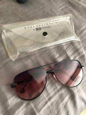Quay desi perkins sun glasses for Sale in Salinas, CA