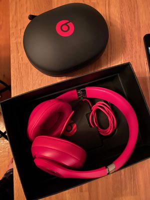 Beats Headphones (STUDIO wireless 3) for Sale in East Patchogue, NY