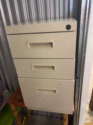 3 drawer file cabinet for Sale in Baltimore, MD