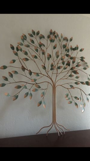 Metal tree wall decor for Sale in Mission Viejo, CA