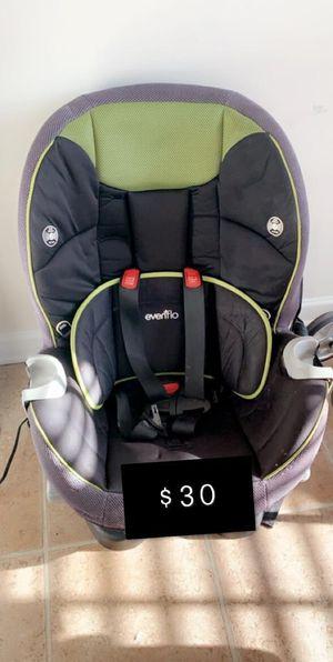 Car seat for age 1-6 for Sale in Murfreesboro, TN