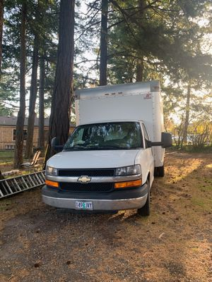 2014 Chevy express box truck for Sale in Gresham, OR