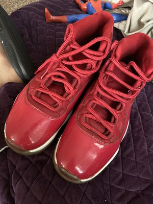 Jordan 11s size 10.5 Condition 7/10 yellowing at the bottom for Sale in Saint Paul, MN