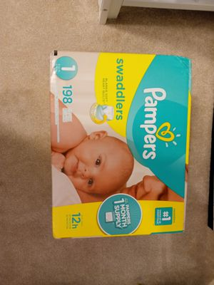 Pampers 198ct diapers for Sale in Lorain, OH