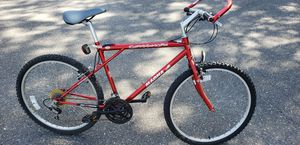 Magna cliffhanger mountain bike like new shimano gears new tires for Sale in Brandon, FL