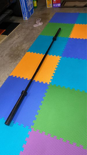 7 ft Olympic weight bar for Sale in Mesquite, TX