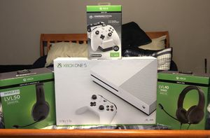 XBOX ONE S for Sale in Knoxville, TN