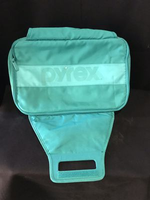 PYREX LASAGNA HOLDER OR COOLER TO KEEP FOOD HOT OR COOL $10 for Sale in Hollywood, FL