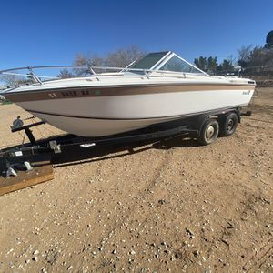 Wellcraft boat and trailer (MAKE OFFERS) for Sale in Apple Valley, CA