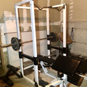 Power Squat Rack With 2 Benches, Weights, And Olympic Bars for Sale in Lynnwood, WA