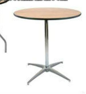 9inch round wood table for Sale in Lynwood, CA