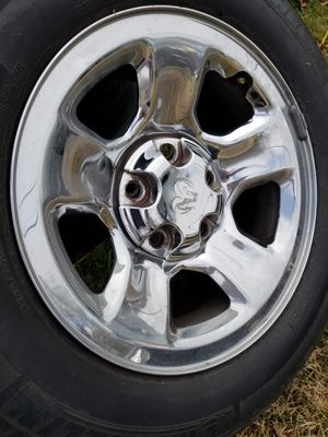 Set of 4used tires and wheels 5lugs size 17fit dodge Ram and ford f150 for Sale in Nashville, TN