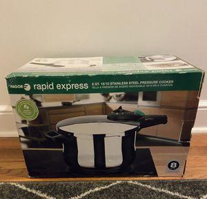 Favor rapid express pressure cooker for Sale in Berlin, CT