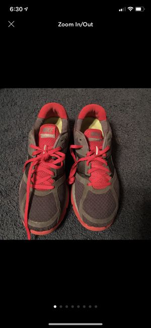 womens nike shoes Size 8.5 for Sale in Dayton, TN