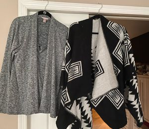 Ladies size Large dressy gray tank/cardigan set & poncho shoulder throw, like new, both for $15, porch pickup Mt Laurel for Sale in Mount Laurel Township, NJ