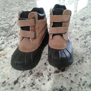 Snow boots for kids size 13 for Sale in Lewisville, TX