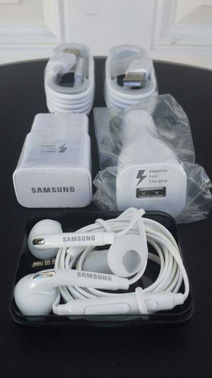 Samsung Fast Combo Bundle/Brand New Original Samsung Fast Charger and Fast Car Charger and Samsung Headphones for Sale in Lincoln Acres, CA