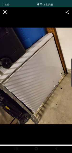 Freezer works good for Sale in Highland, CA