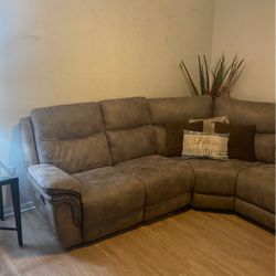 Double Reclining Sectional w/ storage & cup holder for Sale in Bonita,  CA