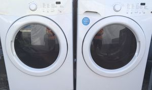 Frigidaire affinity washer and dryer set for Sale in Phoenix, AZ