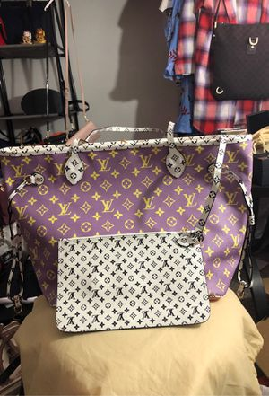 Three toned Tote Bag for Sale in Las Vegas, NV