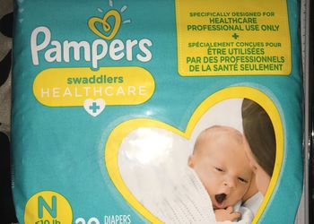NB Pampers Swaddlers QTY 224 for Sale in Orlando,  FL