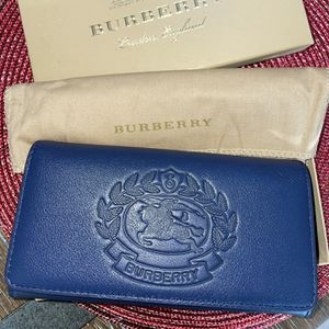 Burberry Woman's Wallet for Sale in Lynnwood, WA
