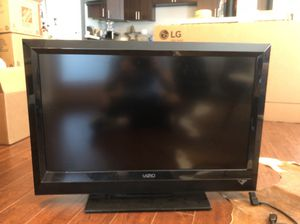 VIZIO 32 INCH TV (HDMI + USB) for Sale in West Hollywood, CA