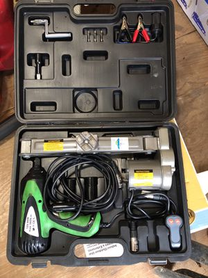 Electric jack for Sale in Silver Spring, MD