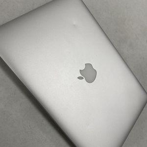 "2015 13.3"" MacBook Pro Intel I5, 8GB, 256GB SSD for Sale in Whittier, CA"