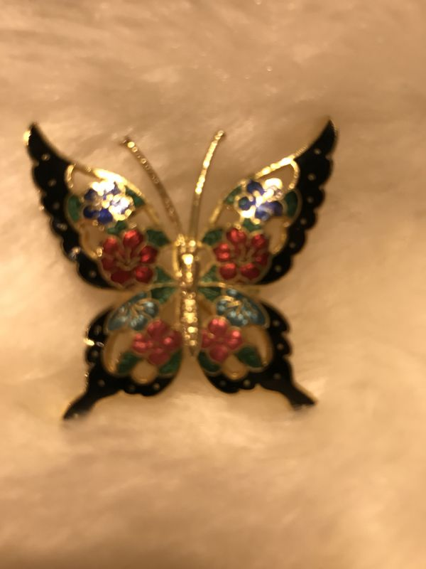 Beautiful Vintage Gold Butterfly Pin/Broach