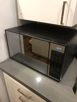 Samsung Ceramic Interior Microwave for Sale in San Diego, CA