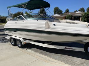 Chaparral Sunesta 233 23' Deck Boat with low hours for Sale in Long Beach, CA