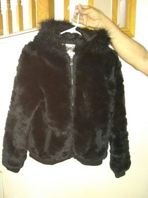 Justice Girl's Faux Fur Coat with hood Size 16 in Good Condition for Sale in Modesto, CA