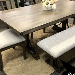 New Big Solid Dining Table Set for Sale in Fresno, CA