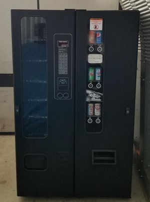 Vending machines with keys ready to make money 💰 for Sale in San Diego, CA