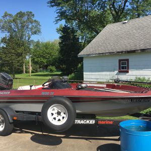 1989 Bass Tracker Includes Trolling Motor for Sale in Palos Heights, IL
