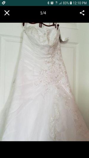 Wedding dress for Sale in Salem, MA