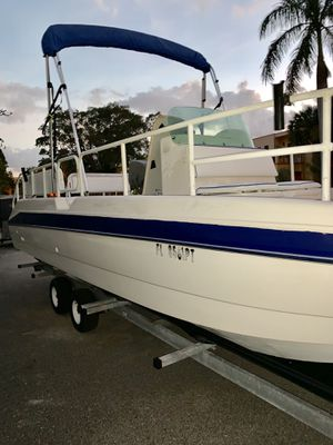 24ft Bayliner deck boat 200 mercury turnkey water ready. for Sale in Boca Raton, FL