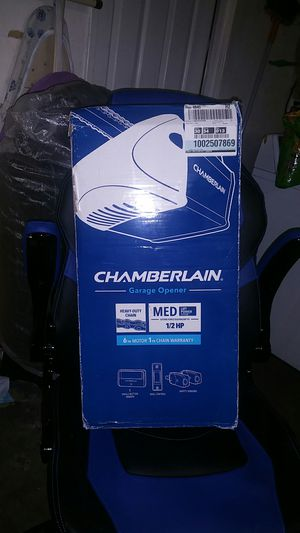 Chamberlain garage door opener for Sale in Hacienda Heights, CA