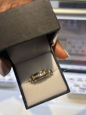 14K GOLD MENS RING ($40 TO PUT ON LAYAWAY)ASK FOR KEEKEE for Sale in Charlotte, NC
