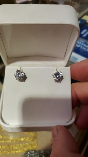4carat total weight topaz studs earrings for Sale in Highland Heights, OH